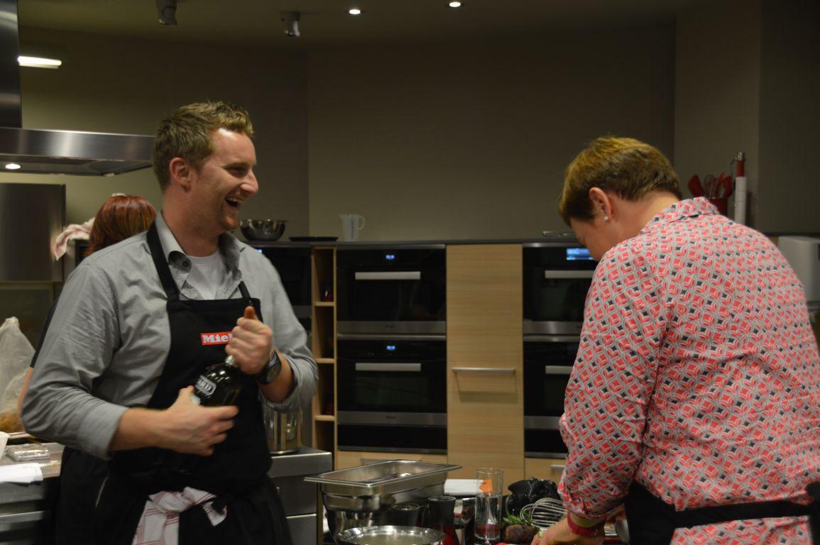Cours de cuisine avec julien lapraille topchef chez miele - Cours de cuisine bruxelles ...