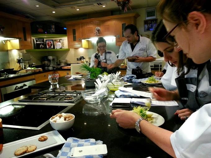 Raymond blanc cookery school cours de cuisine au manoir aux quat 39 saisons oxford - Cours de cuisine georges blanc ...
