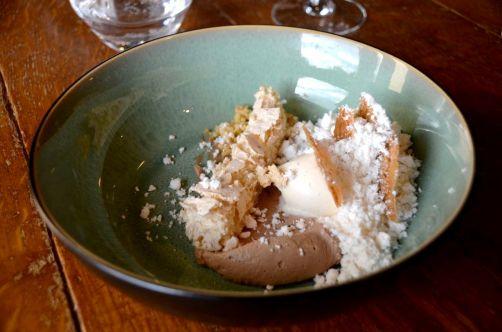 Dessert: noissettes, chocolat