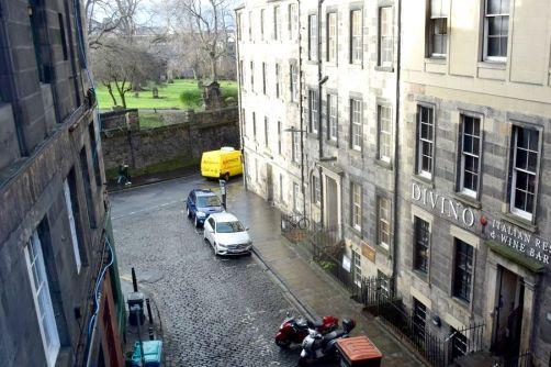 Bonne rue, mais 10 mètres trop haut !