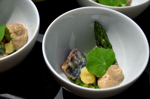 Maquereau, foie gras de la Ferme de la Tour, pain brûlé émulsionné, asperge de Fosteau - Fabrizzio Chirico