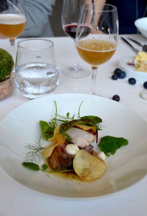 Un dimanche en Belgique (poulet-frites-compote revisité !). Accompagnement:bière IV saison de la brasserie Jandrain-Jandrenouille.Sang Hoon DEGEIMBRE