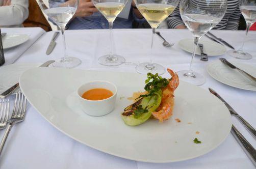 Entrée: langoustines croustillantes, pak-choï et sauce thaï