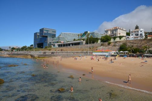 Vue sur l'hôtel depuis la plage