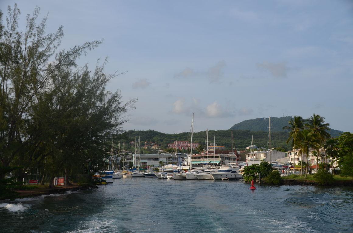 Martinique fort de france et sa baie - Le port de fort de france ...