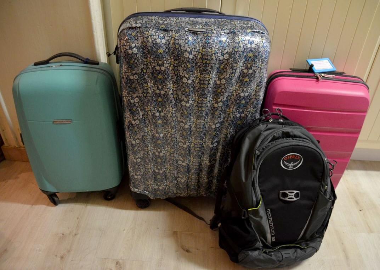 valise ou sac dos mes bagages en voyage. Black Bedroom Furniture Sets. Home Design Ideas