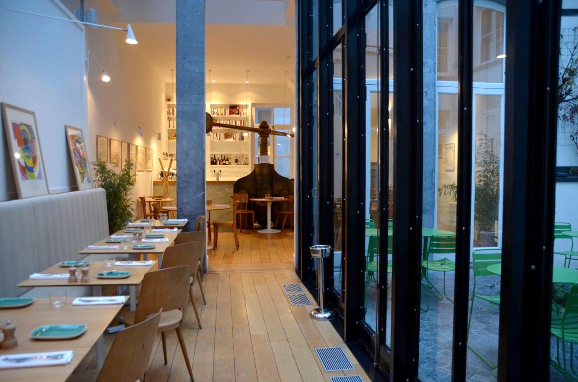 Le comptoir des galeries l exception de la rue des for Comptoir du meuble bruxelles