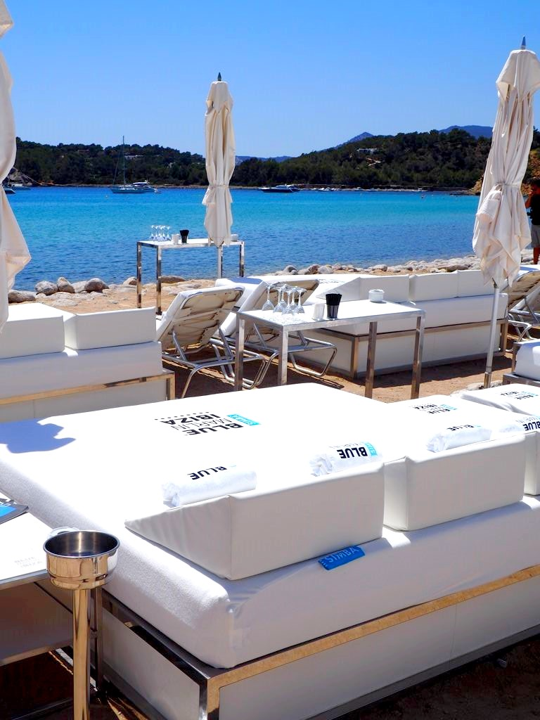 ibiza en mode relax avec simba sleep x blue marlin. Black Bedroom Furniture Sets. Home Design Ideas