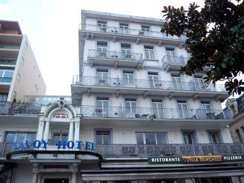 Un Hotel Tres Confortable Qui A Le Merite Detre Central Parfait Pour Explorer La Ville DEvian Dont Centre Se Visite Facilement Pied